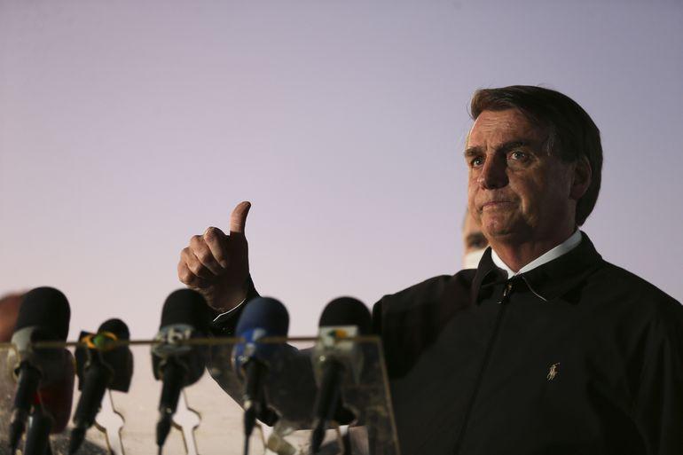 Presidente Jair Bolsonaro confirma que está com Covid-19