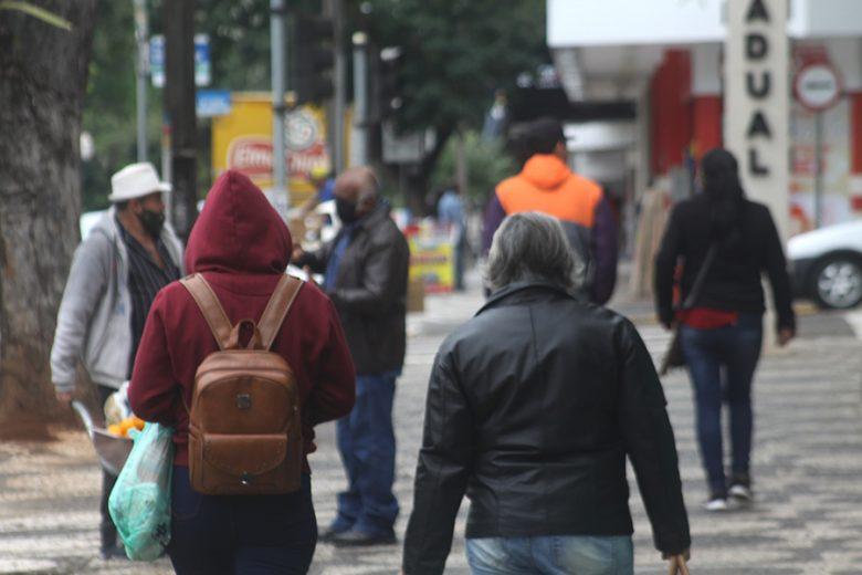 Temperaturas caem e Umuarama tem alerta de geada para sexta-feira