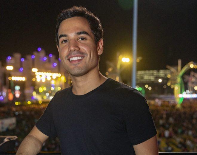 Perfil do ator e cantor Bruno Gadiol