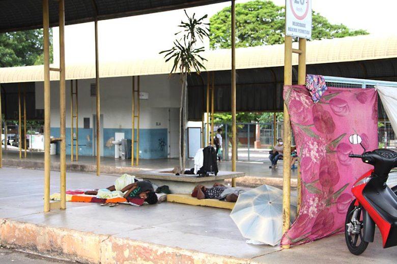 Atos obscenos e brigas promovidas por moradores de rua constrangem pedestres