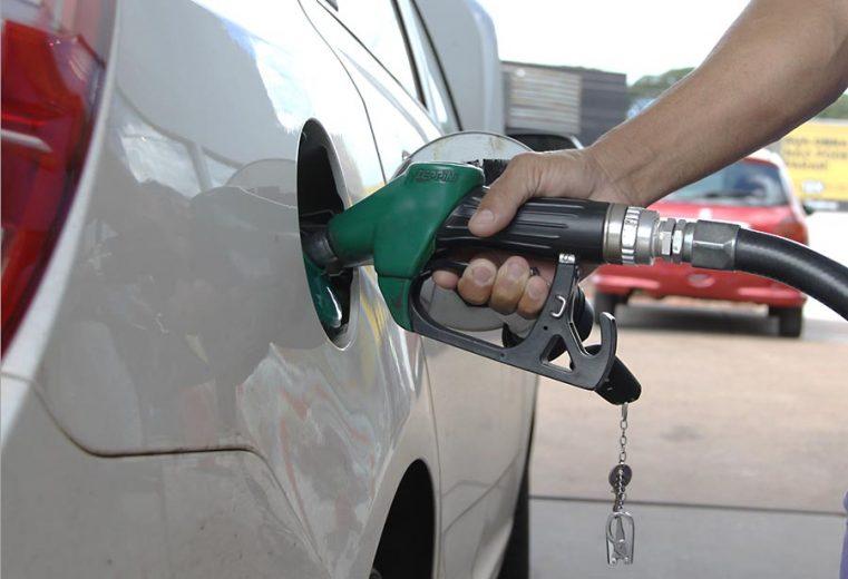ANP lacra posto em Umuarama por vender combustível adulterado