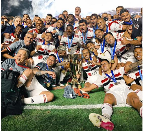 Com 6 jogadores e técnico, São Paulo domina a seleção do Campeonato Paulista