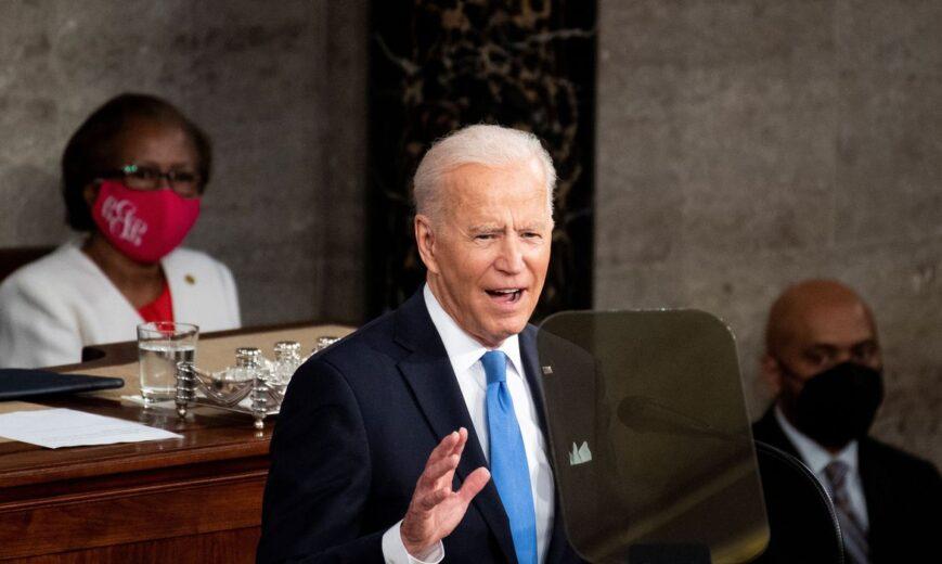 Biden faz apelo por vacinação; EUA não devem cumprir meta