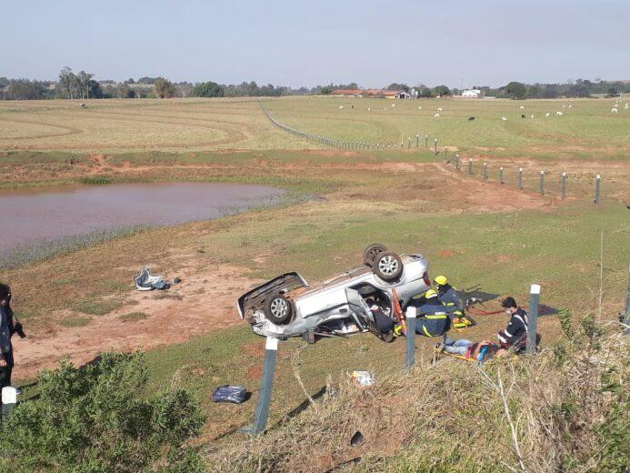 Colisão na PR-580 tem capotamento e cinco feridos