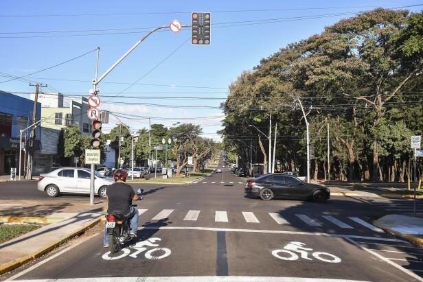 Cruzamentos semaforizados ganham área de frente segura para os motociclistas