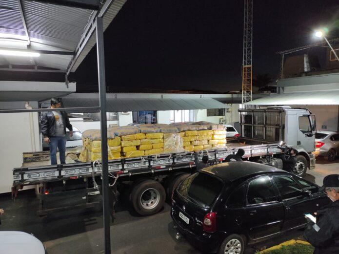Polícia Civil apreende 3,8 toneladas de maconha na PR-323
