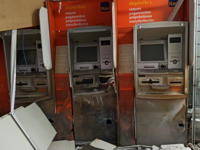 Bando explode agência bancária em Mariluz-PR