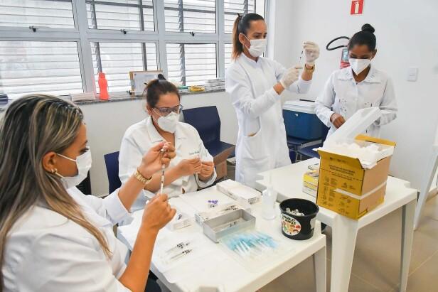 Número de casos de covid-19 cai 58% em Umuarama, informa balanço de agosto