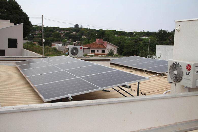 Energia Solar cresce perante crise hídrica e encarecimento da tarifa das companhias