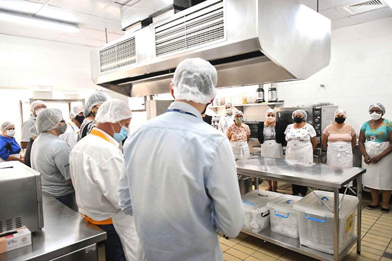 Curso de culinária retoma as atividades coletivas do serviço de convivência de idosos